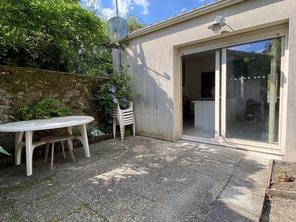 Maison à vendre 3 89m2 à Parthenay vignette-3