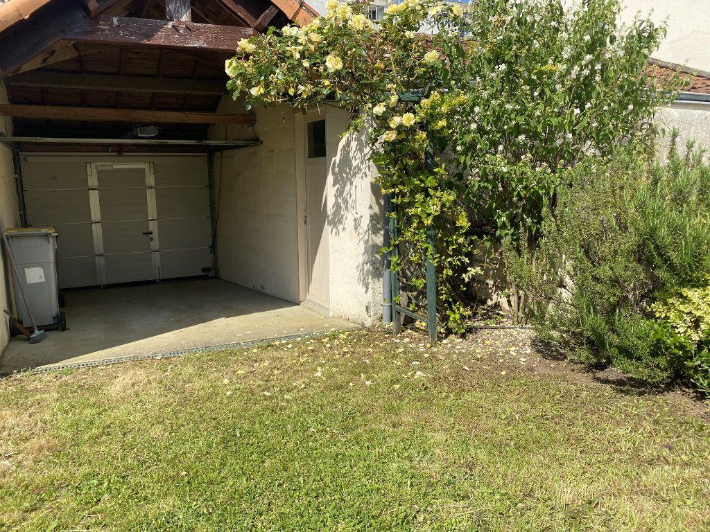 Maison à vendre 3 89m2 à Parthenay vignette-12
