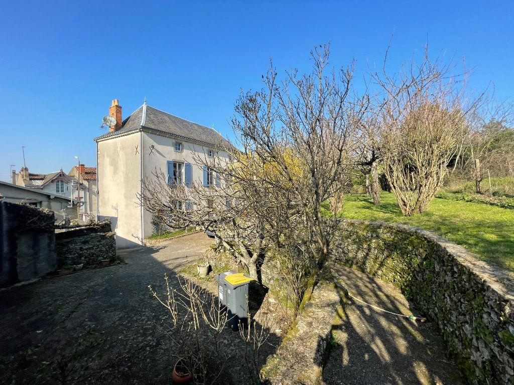Maison à vendre 6 145m2 à Parthenay vignette-2