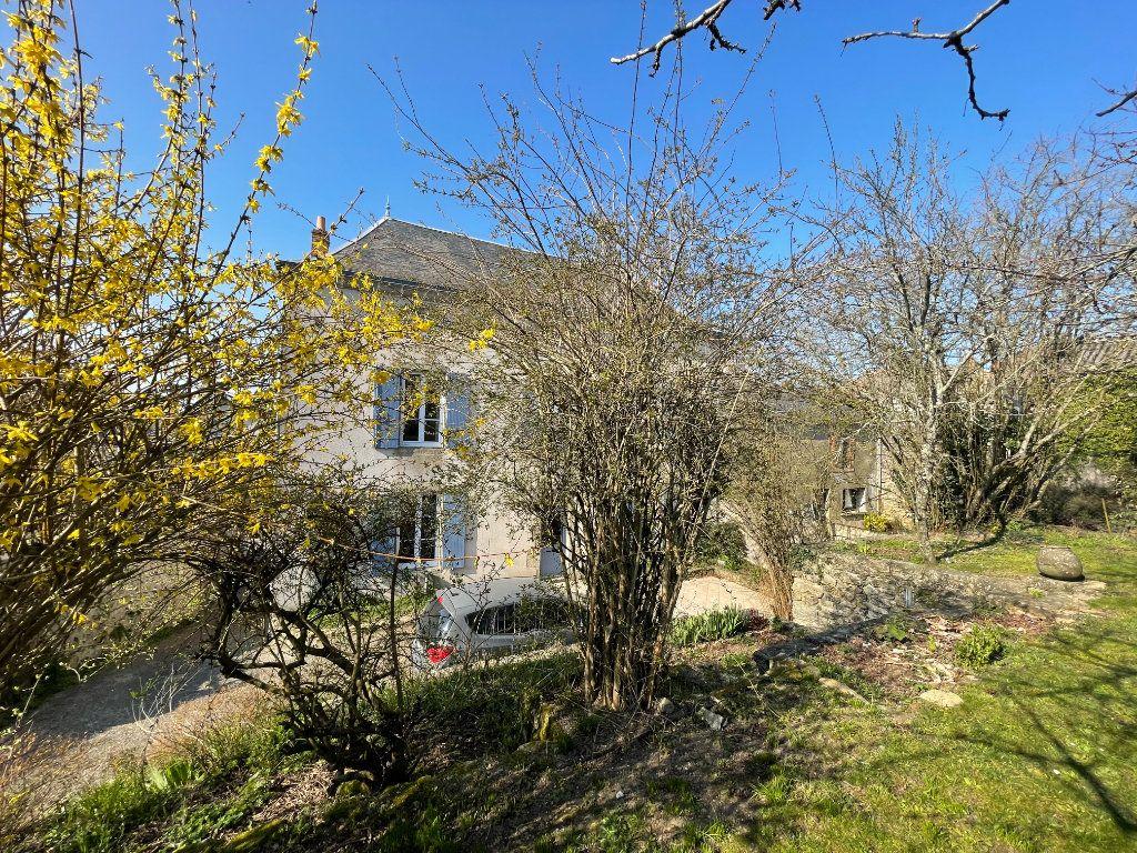 Maison à vendre 6 145m2 à Parthenay vignette-4