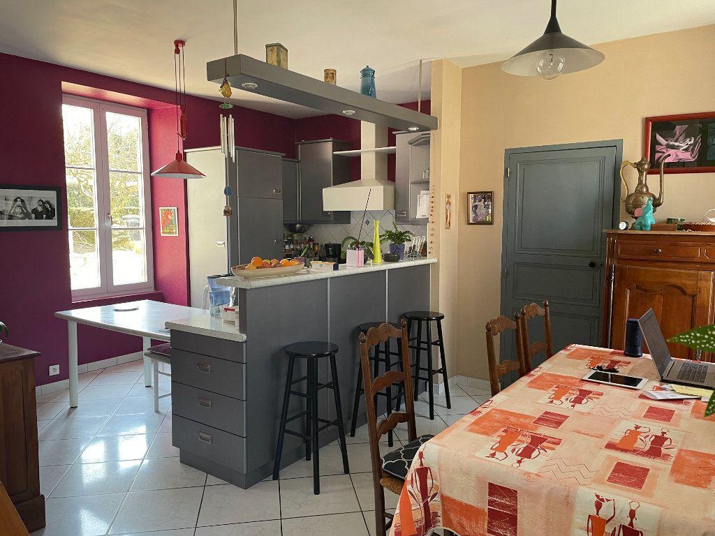 Maison à vendre 6 145m2 à Parthenay vignette-7