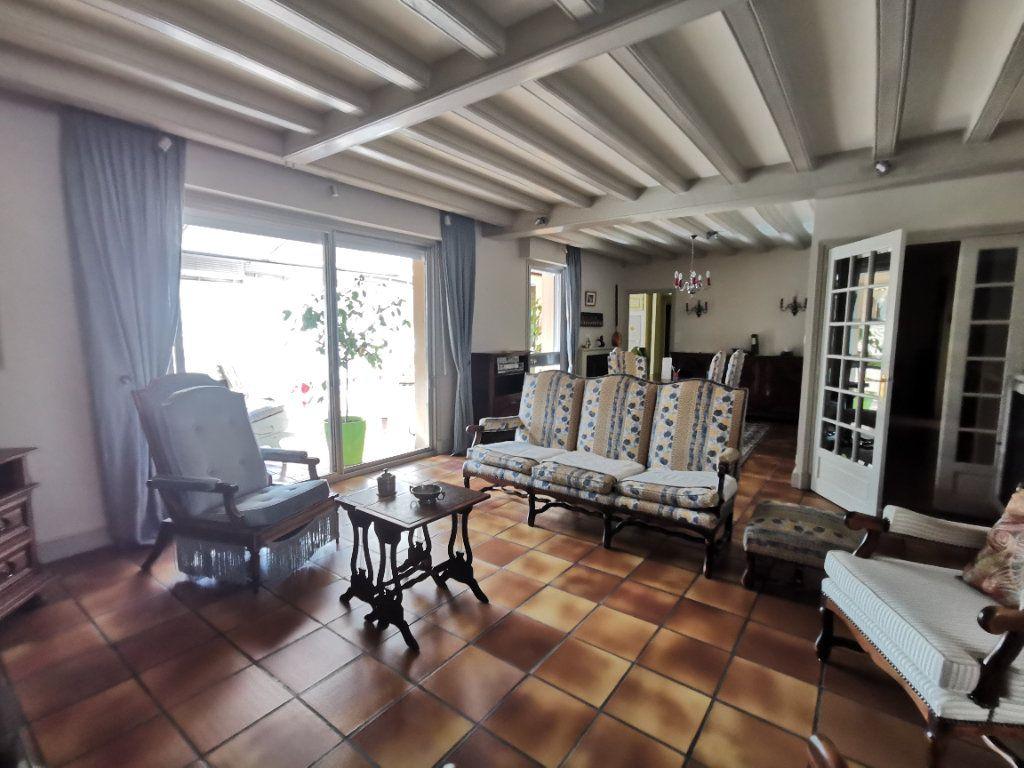 Maison à vendre 5 180.3m2 à Parthenay vignette-6