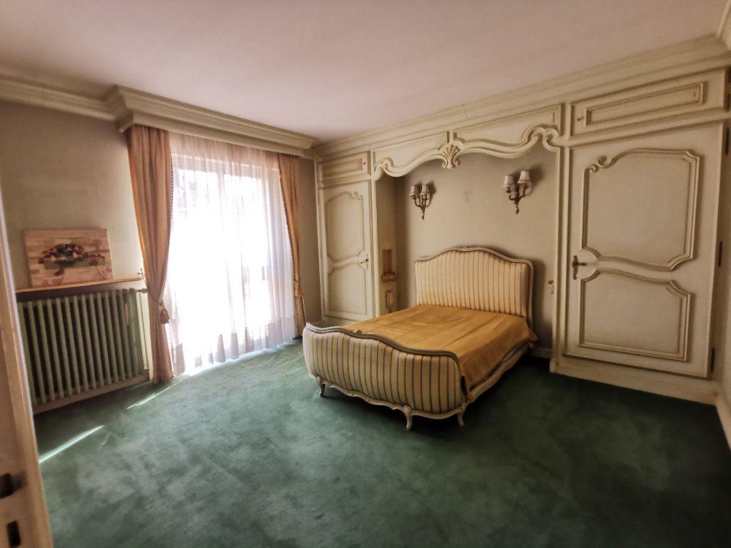 Maison à vendre 5 180.3m2 à Parthenay vignette-9