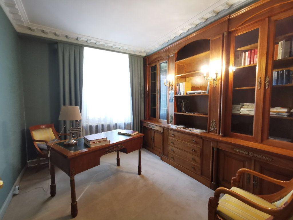 Maison à vendre 5 180.3m2 à Parthenay vignette-10