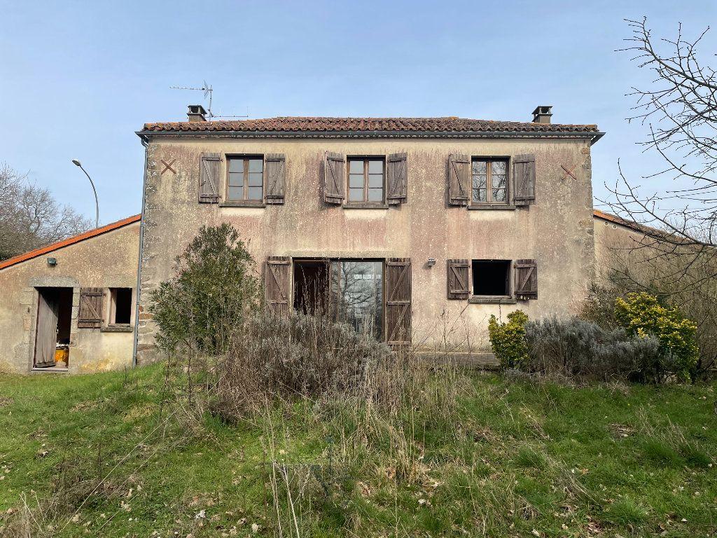 Maison à vendre 5 122m2 à Parthenay vignette-2