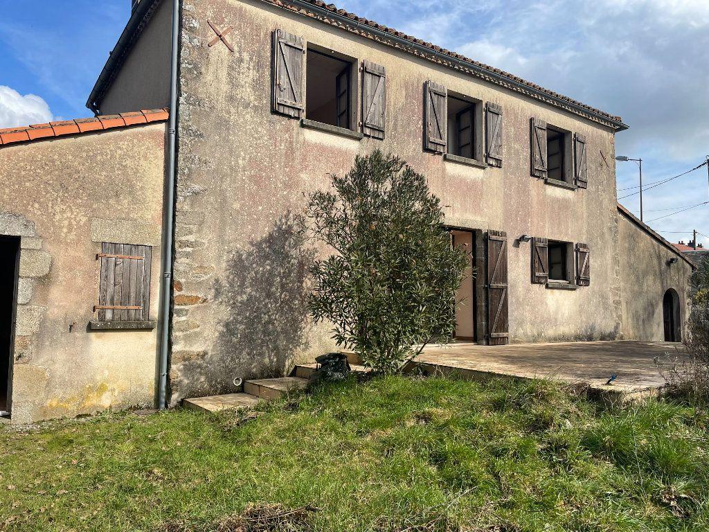 Maison à vendre 5 122m2 à Parthenay vignette-8