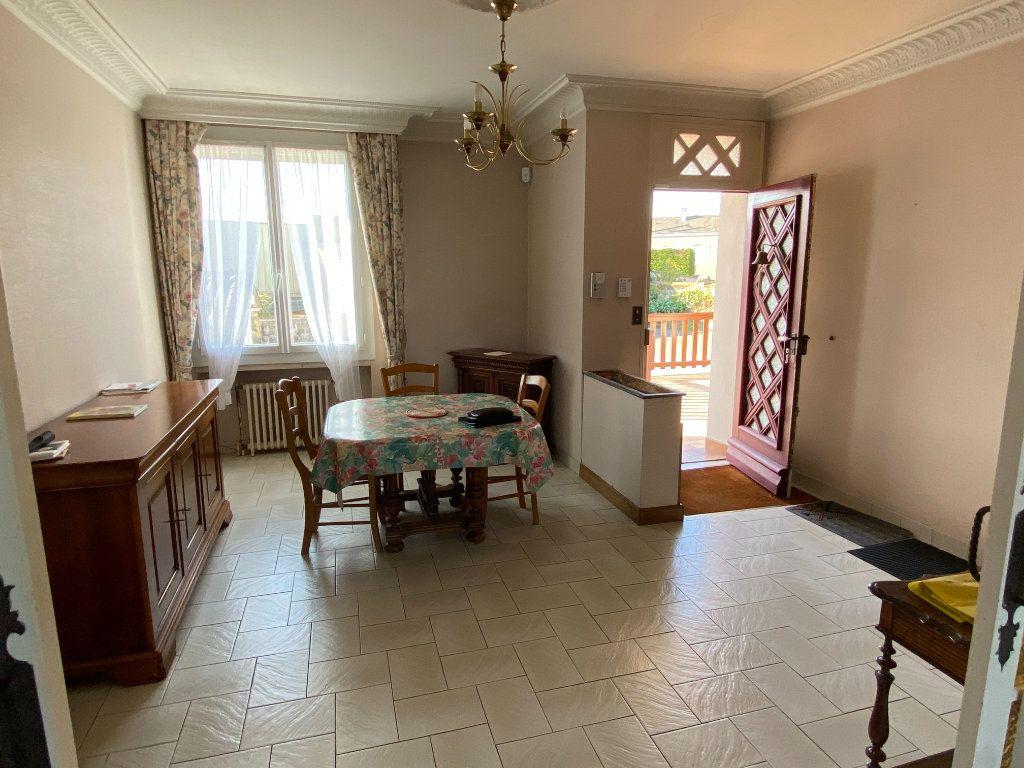 Maison à vendre 6 148m2 à Parthenay vignette-6