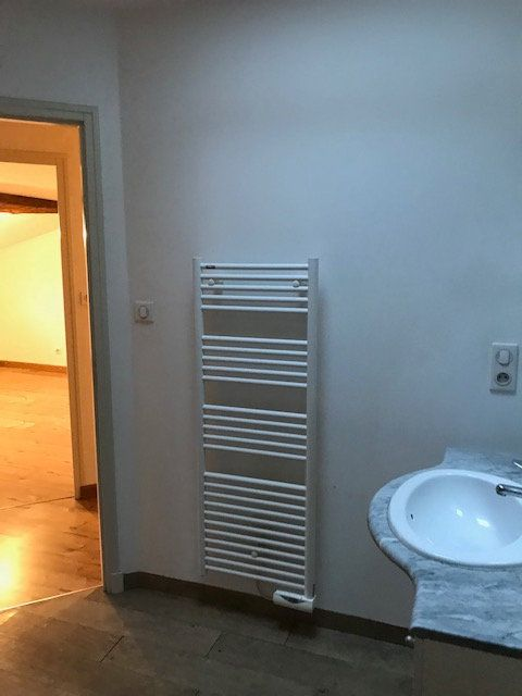 Maison à louer 3 82.45m2 à Parthenay vignette-6
