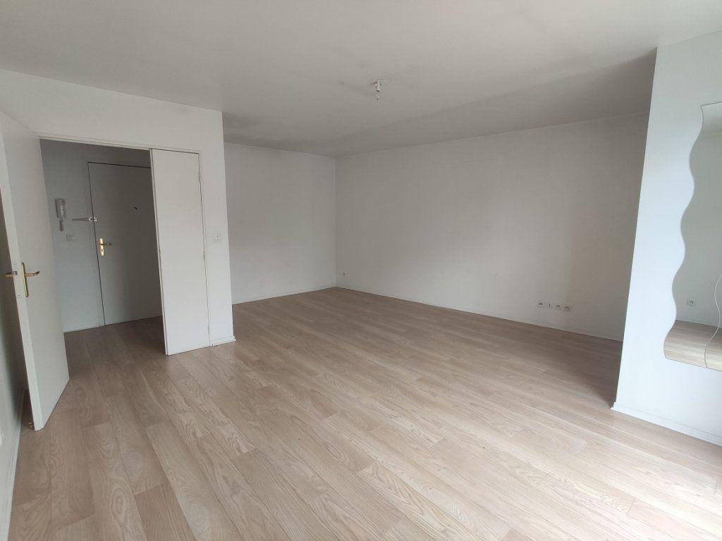 Appartement à vendre 3 69.47m2 à Dourdan vignette-1