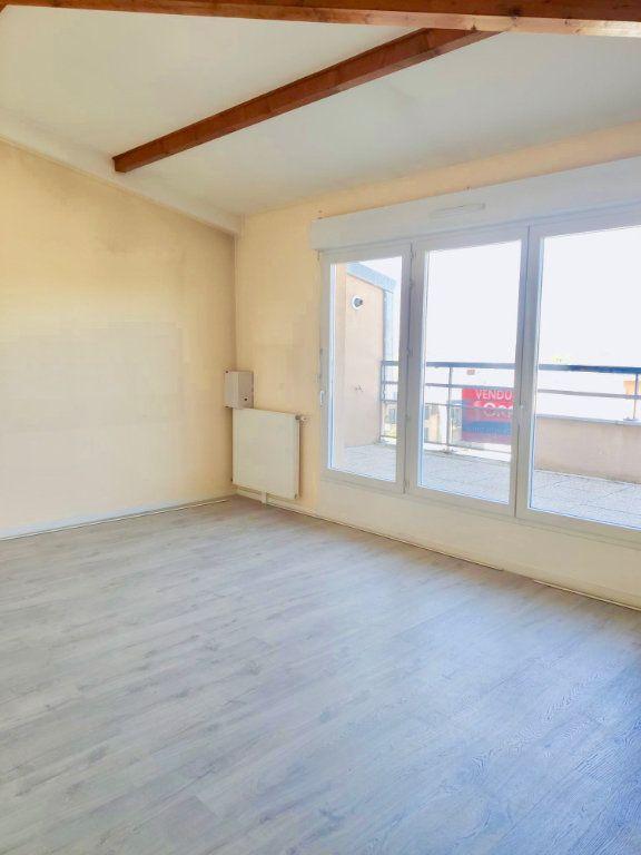 Appartement à vendre 4 85.4m2 à Dourdan vignette-2