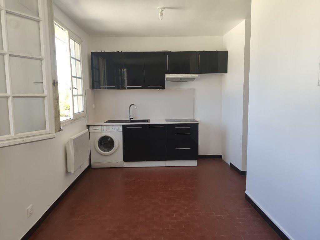 Appartement à louer 1 27m2 à Étampes vignette-1