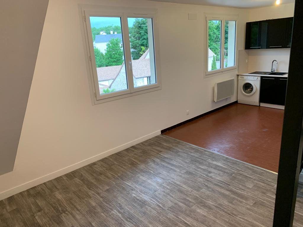 Appartement à louer 1 27m2 à Étampes vignette-2
