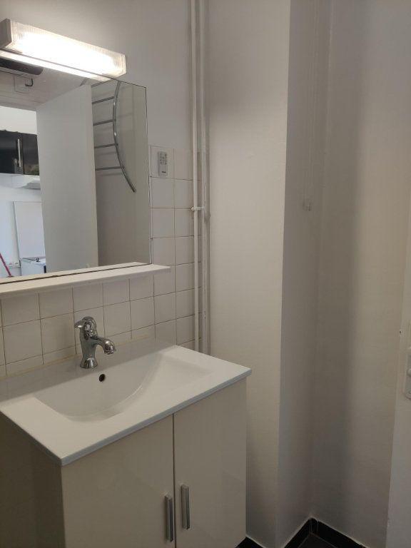 Appartement à louer 1 27m2 à Étampes vignette-6