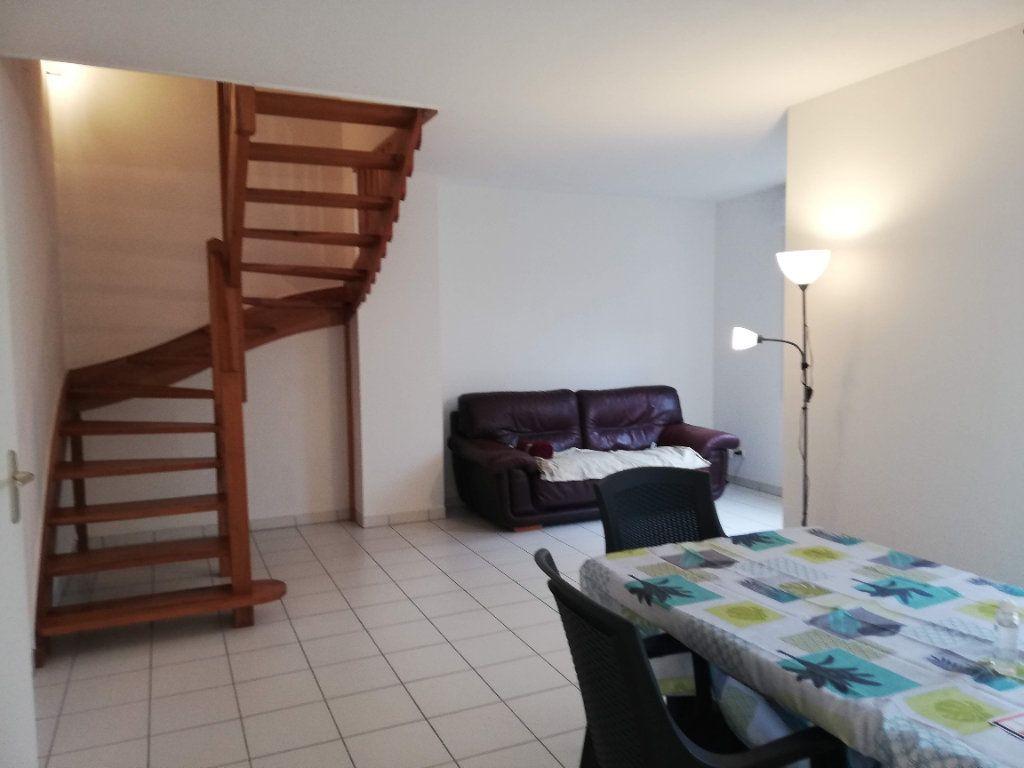 Maison à louer 4 88m2 à Poitiers vignette-1