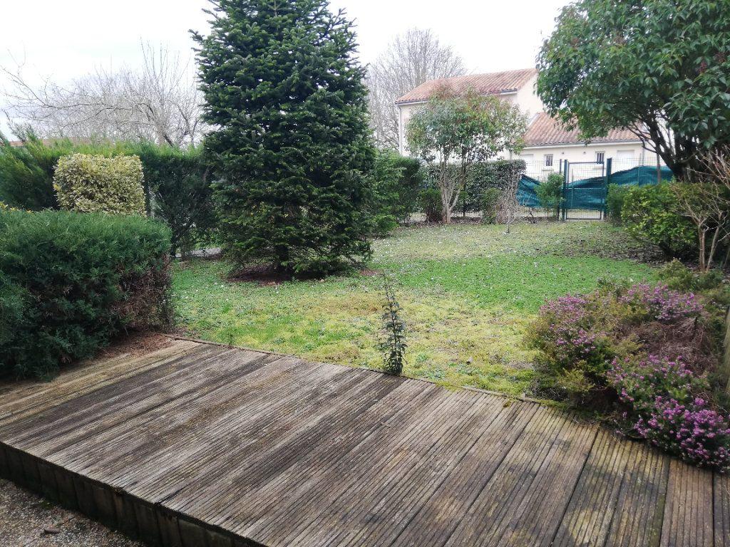 Maison à louer 4 88m2 à Poitiers vignette-4
