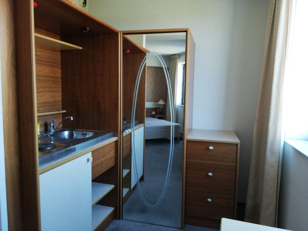 Appartement à louer 1 29m2 à Chasseneuil-du-Poitou vignette-2