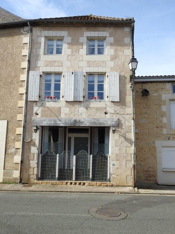 Maison à vendre 3 103m2 à Lhommaizé vignette-1