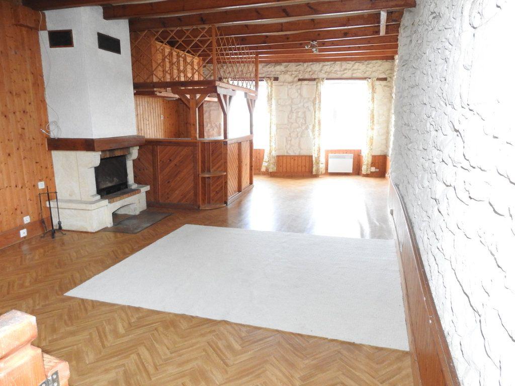 Maison à vendre 3 103m2 à Lhommaizé vignette-2