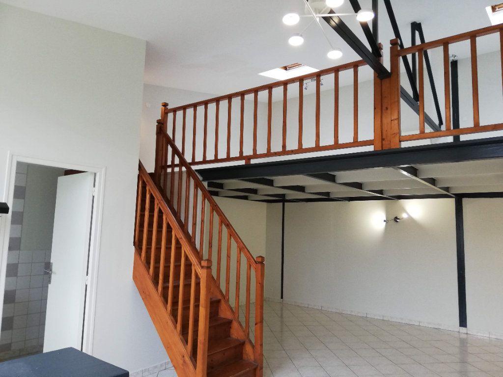 Maison à louer 2 55m2 à Poitiers vignette-1