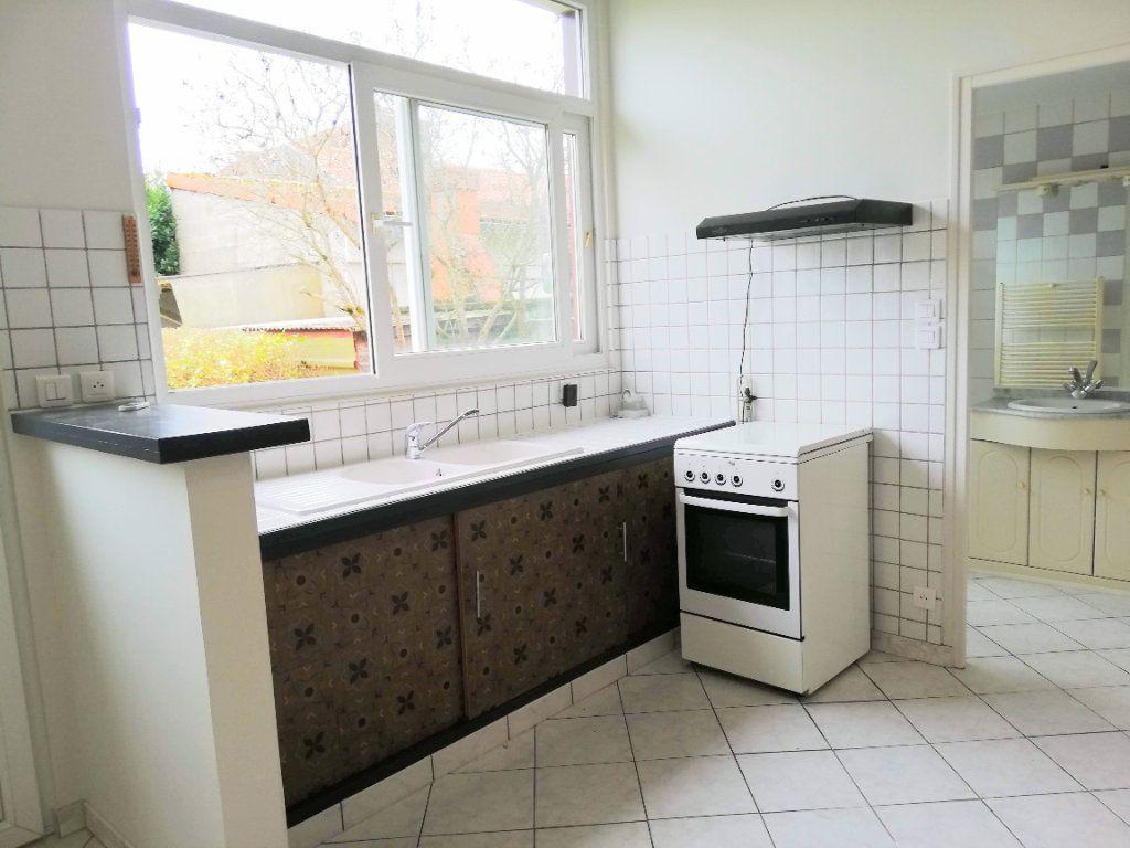 Maison à louer 2 55m2 à Poitiers vignette-6