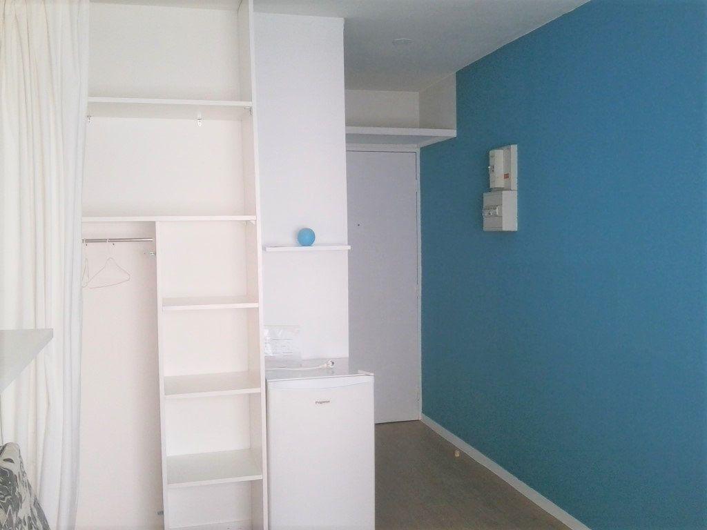 Appartement à louer 1 14.09m2 à Poitiers vignette-3