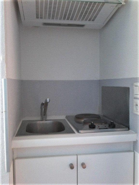 Appartement à louer 1 14.09m2 à Poitiers vignette-4
