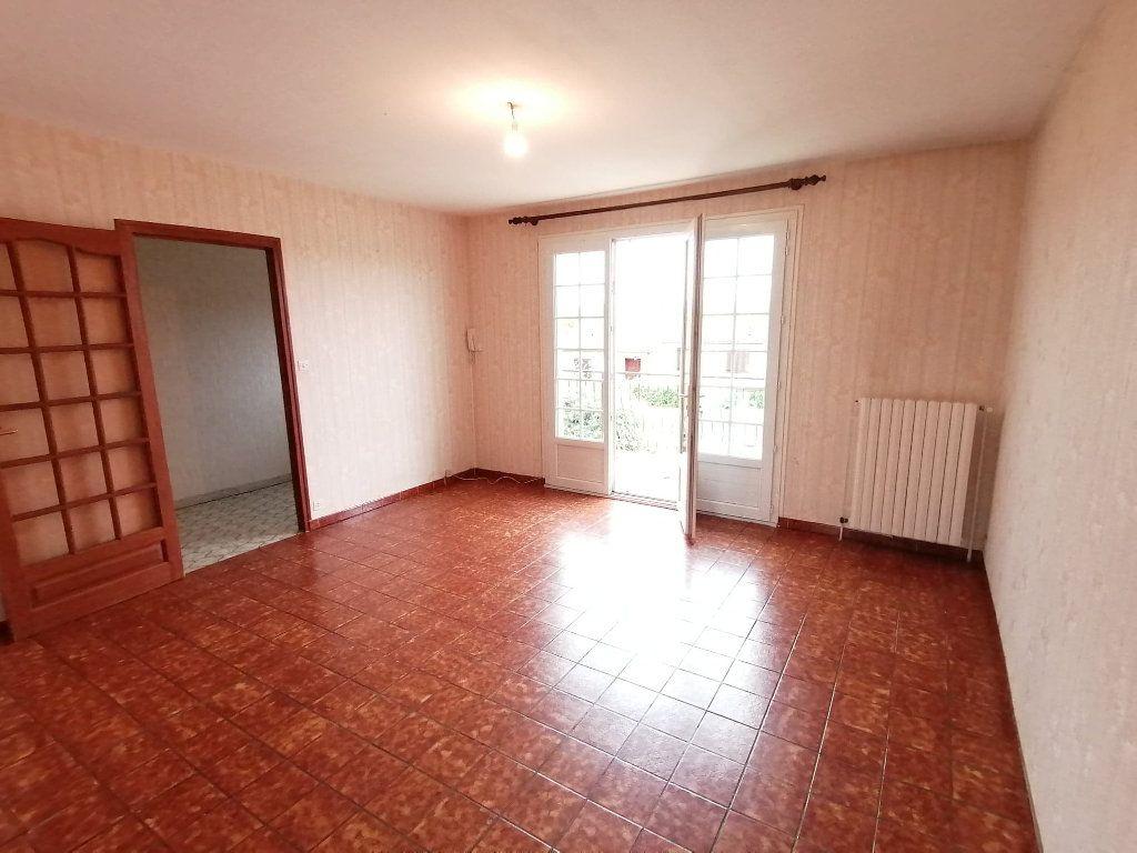 Maison à vendre 4 92.5m2 à Lusignan vignette-7