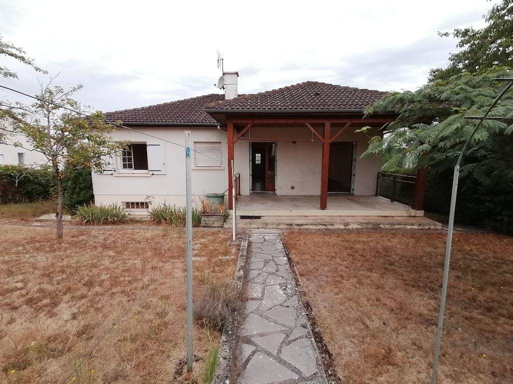 Maison à vendre 4 92.5m2 à Lusignan vignette-10