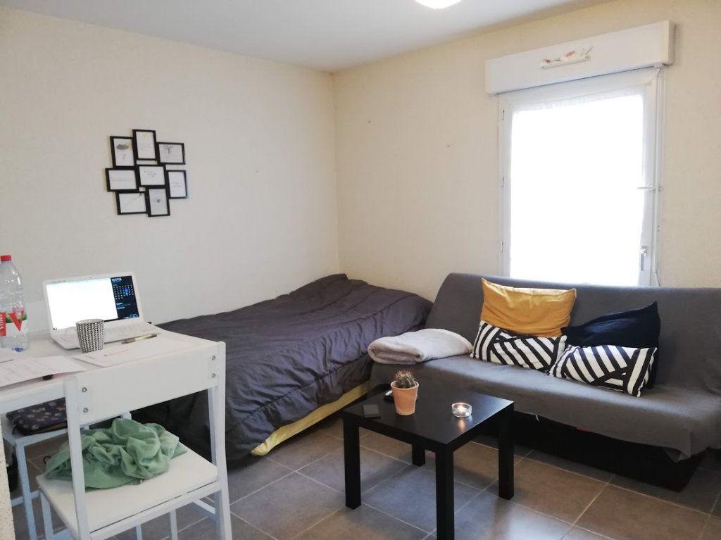 Appartement à louer 1 22m2 à Poitiers vignette-1