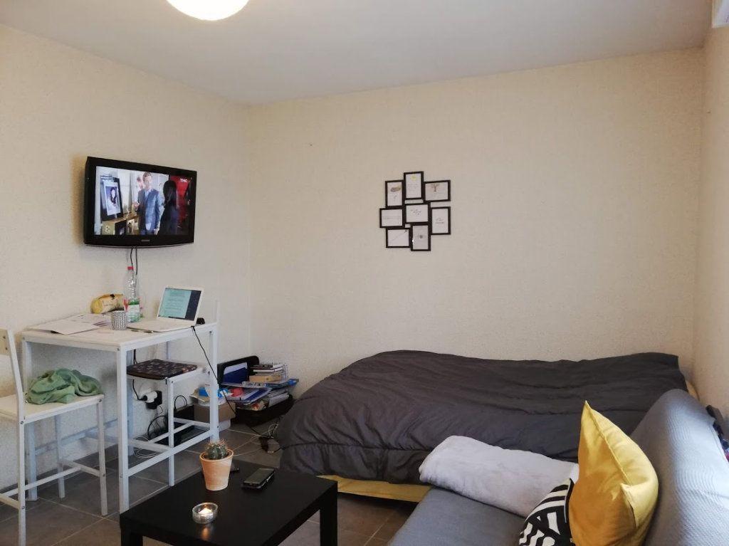 Appartement à louer 1 22m2 à Poitiers vignette-4