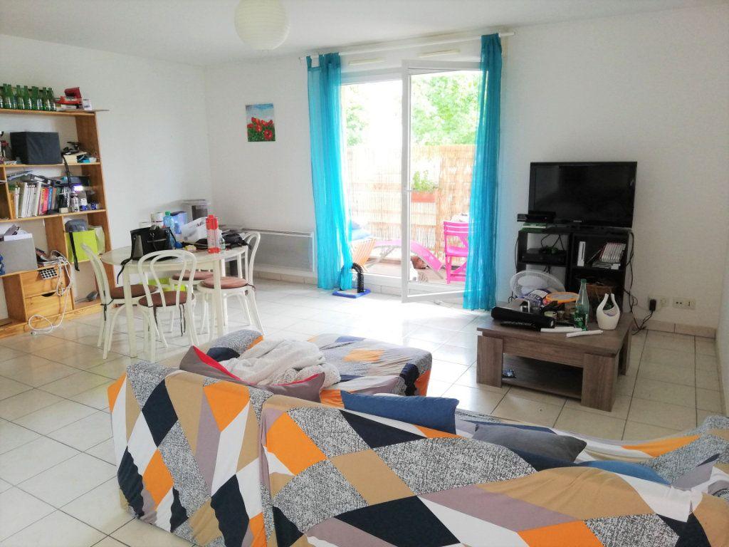 Appartement à vendre 3 64.46m2 à Poitiers vignette-1