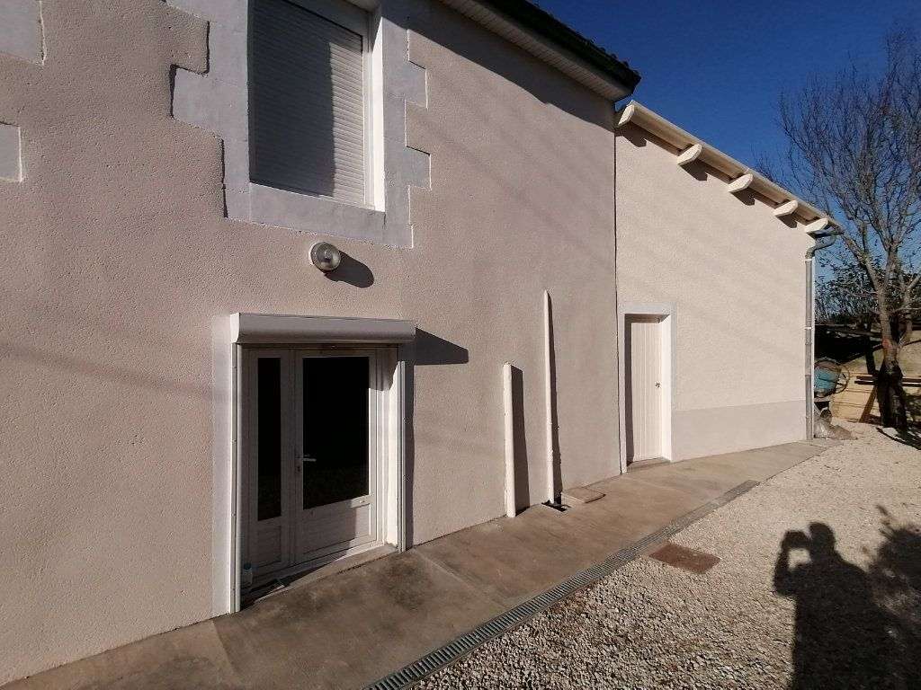 Immeuble à vendre 0 118m2 à Poitiers vignette-5