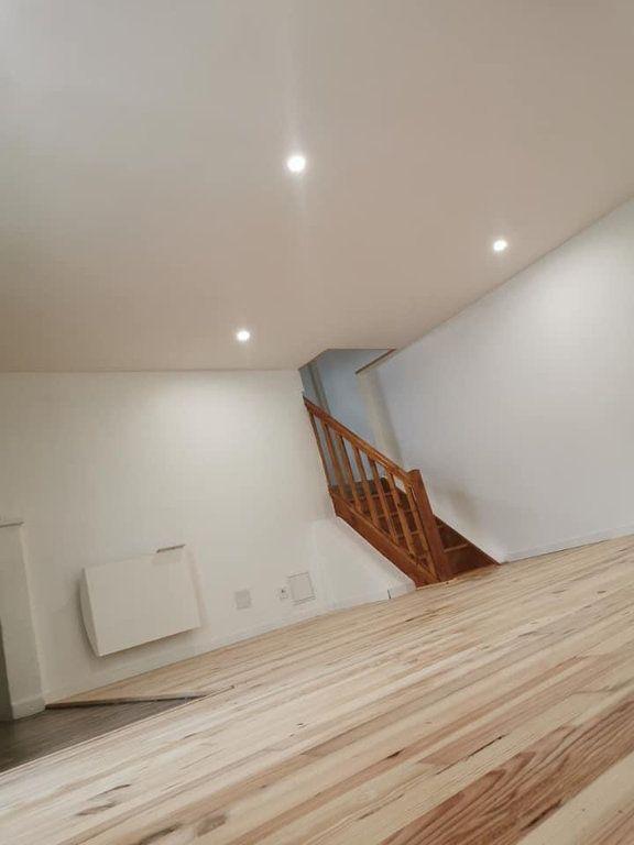 Appartement à louer 4 80m2 à Vendeuvre-du-Poitou vignette-3