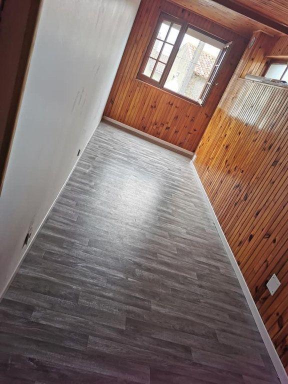 Appartement à louer 4 80m2 à Vendeuvre-du-Poitou vignette-4