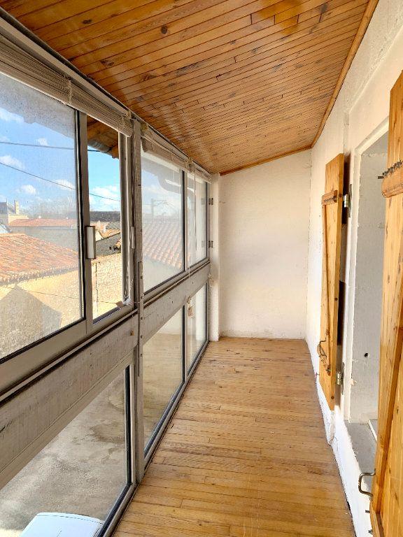Appartement à louer 4 80m2 à Vendeuvre-du-Poitou vignette-7