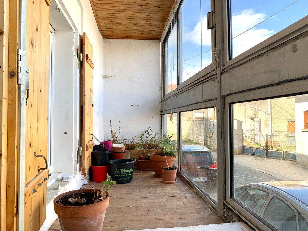 Appartement à louer 4 80m2 à Vendeuvre-du-Poitou vignette-18