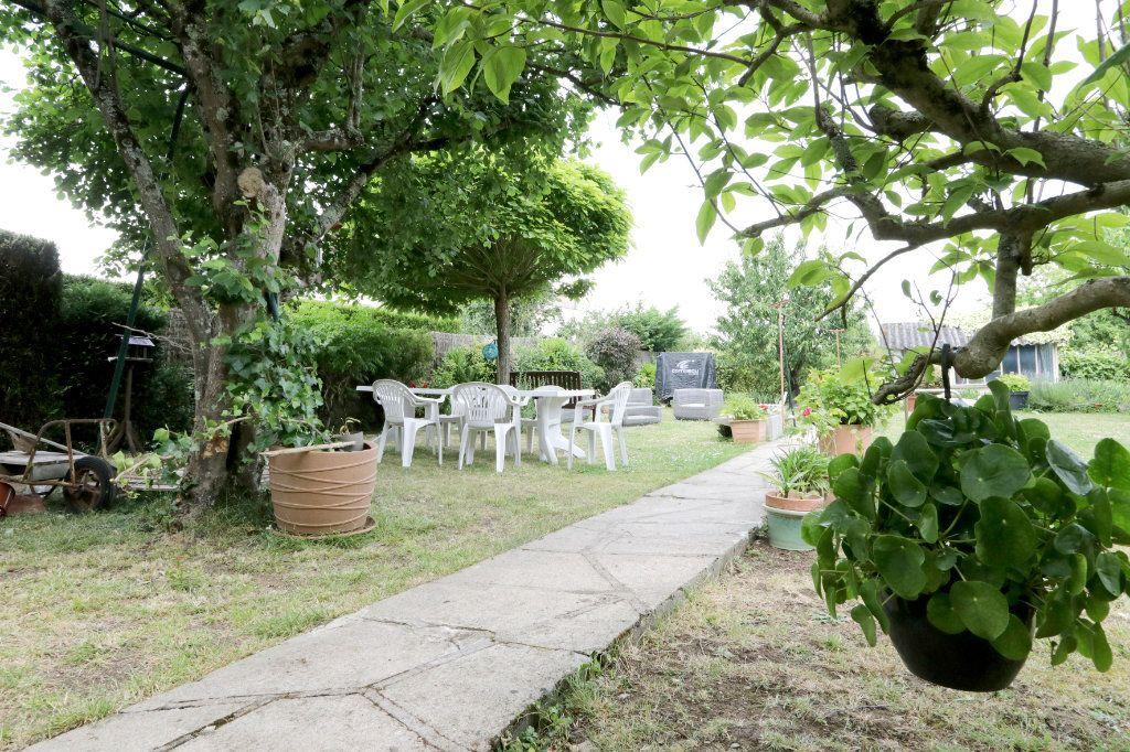 Maison à vendre 7 160m2 à Poitiers vignette-1