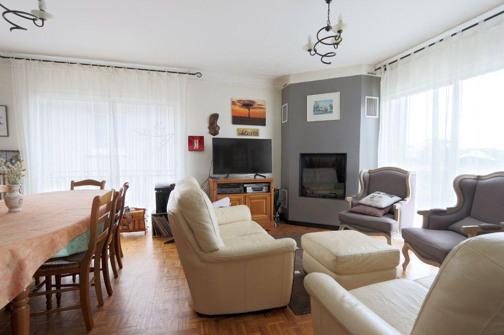 Maison à vendre 7 160m2 à Poitiers vignette-2