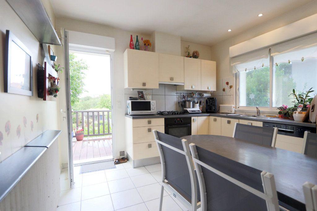 Maison à vendre 7 160m2 à Poitiers vignette-3