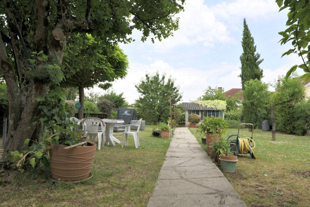Maison à vendre 7 160m2 à Poitiers vignette-8