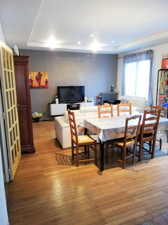 Maison à vendre 4 220m2 à Poitiers vignette-2