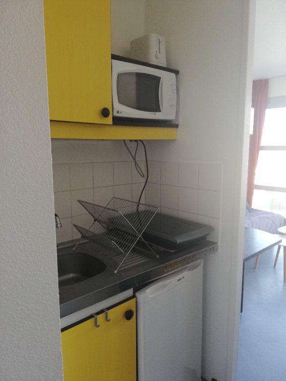 Appartement à louer 1 15.9m2 à Poitiers vignette-2