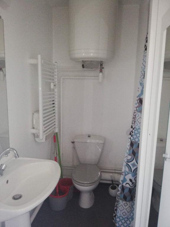 Appartement à louer 1 15.9m2 à Poitiers vignette-4