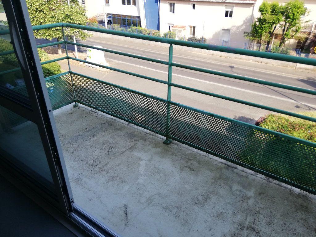 Appartement à louer 1 15.9m2 à Poitiers vignette-7