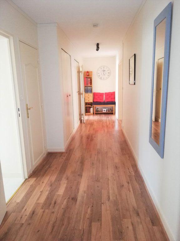 Appartement à vendre 3 76.4m2 à Poitiers vignette-1