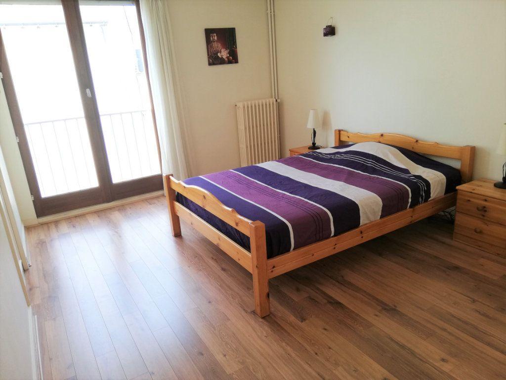 Appartement à vendre 3 76.4m2 à Poitiers vignette-4