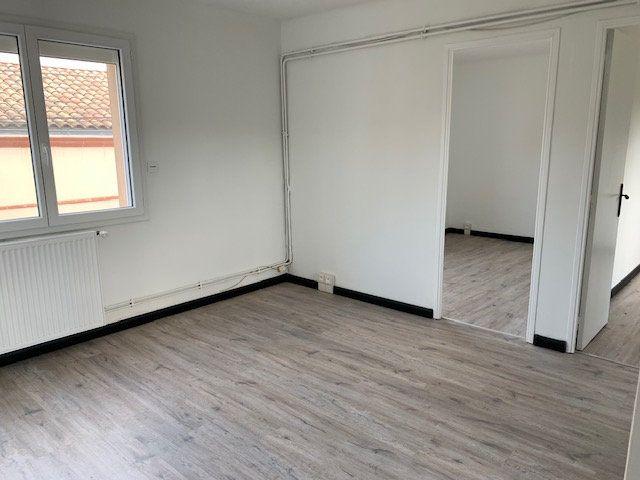 Appartement à louer 3 42.74m2 à Toulouse vignette-2