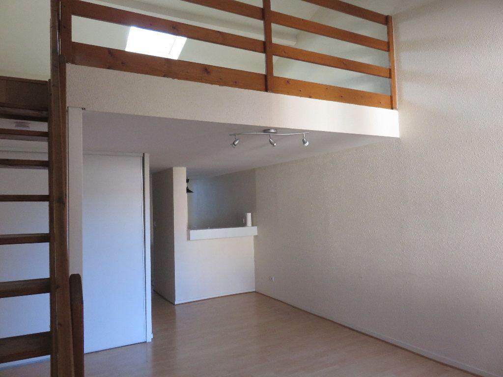 Appartement à louer 2 42.57m2 à Toulouse vignette-1