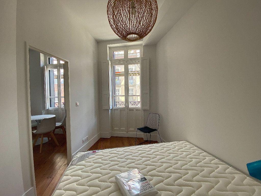 Appartement à louer 2 30.36m2 à Toulouse vignette-3