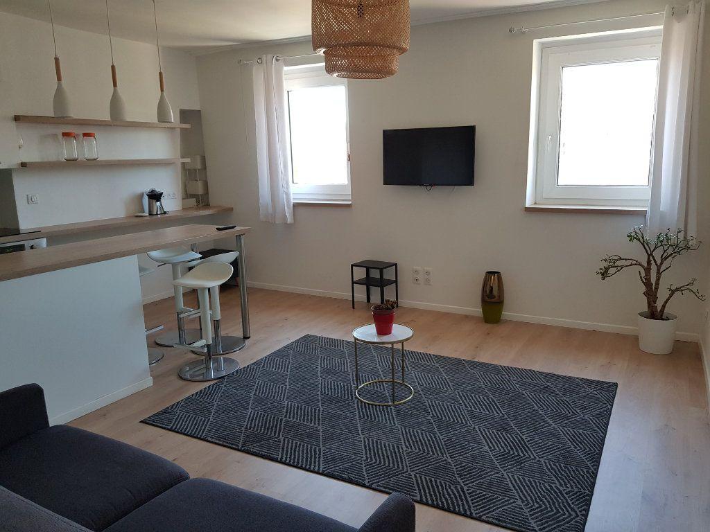Appartement à louer 2 21.5m2 à Toulouse vignette-1
